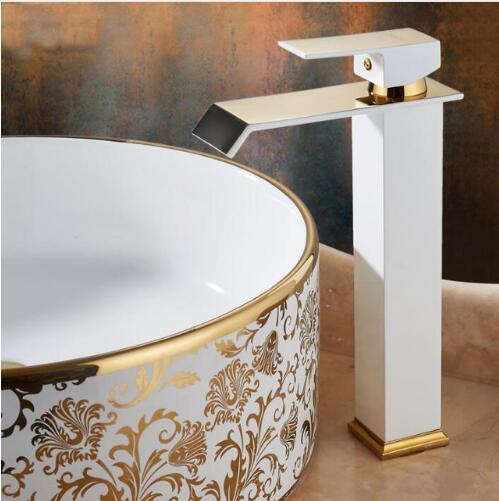 Os Recém-chegados de Ouro e cor branca Cachoeira Torneira Do Banheiro de Altura Torneira Do Banheiro Bacia Toque Mixer Torneira Pia Quente e Fria torneira