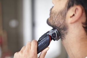 Image 2 - Электрическая машинка для стрижки волос 6 в 1, перезаряжаемый триммер для волос, Прецизионная Бритва для тела, триммер для бороды, усов, машинка для стрижки волос на лице