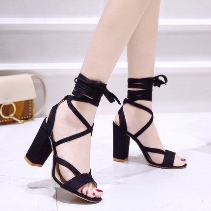Summer new Roman style cross straps thick with sandals wild small fresh high heels. 2