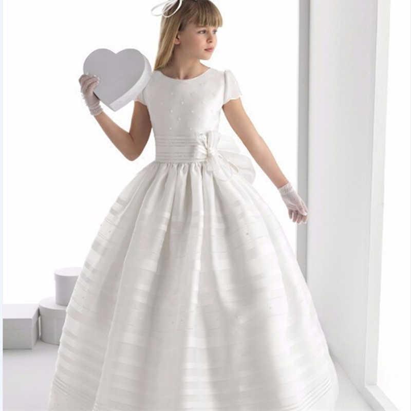 ファッションフラワーガールドレスチャーミングホワイトアイボリー半袖サテン床長ドレス初聖体ドレス