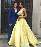 2019 Elegant Yellow Satin Wedding Party Dresses V Neck Backless Princess Bridesmaid Dress Custom Made Cheap Maid Of Honor Gowns