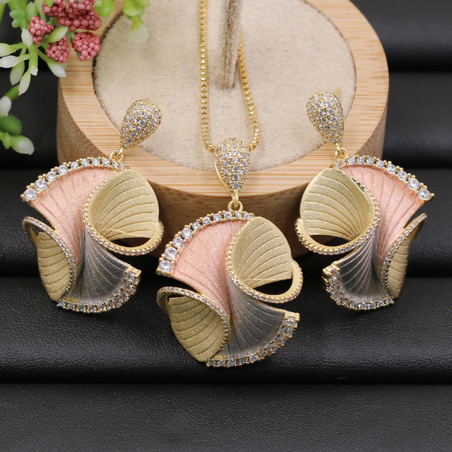 Lanyika Jewelry Set Abstract Geometry Pattern Necklace with Earrings for Woman Engagement Sandblasting Popular Luxury Best Gifts