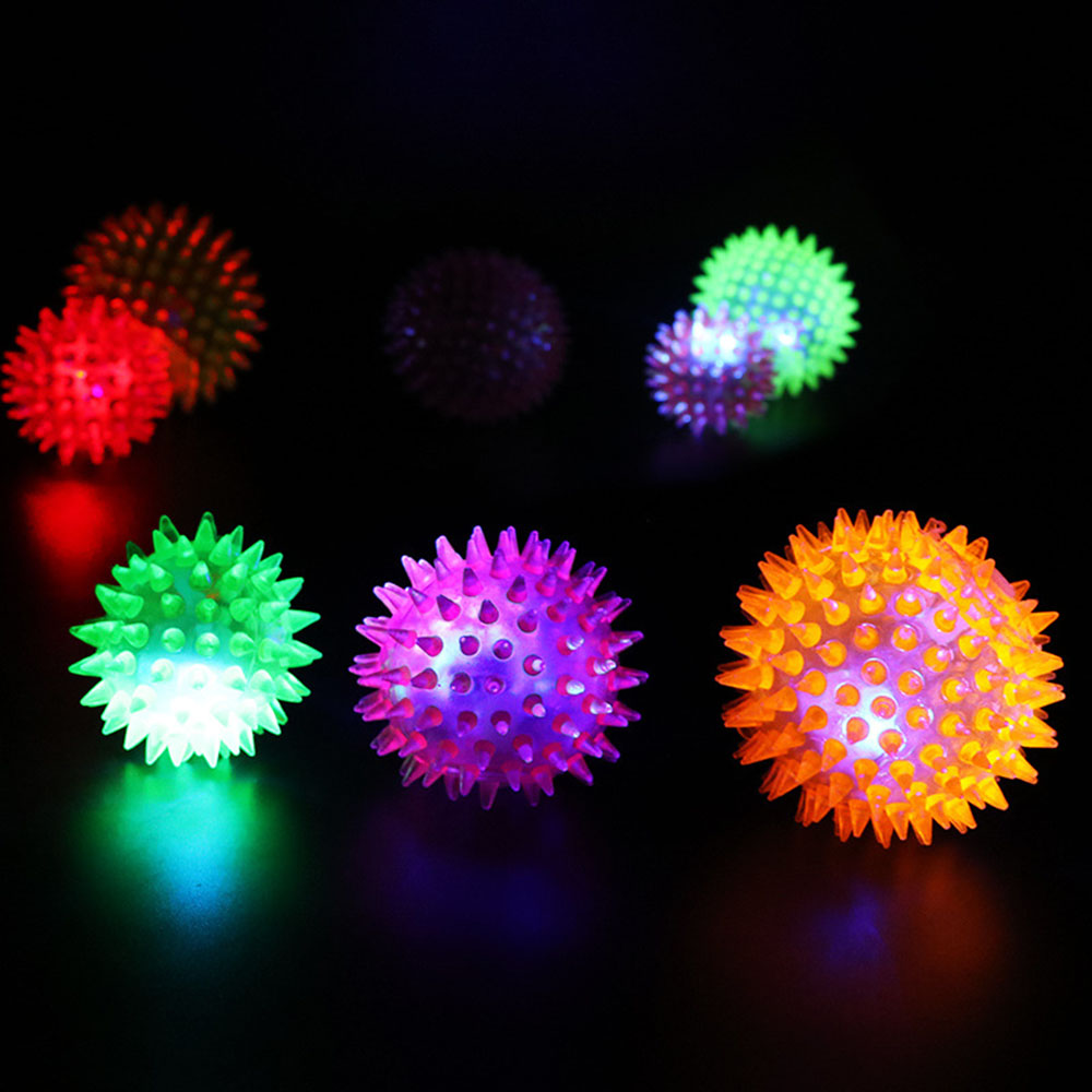 Plastic Squeaking Flashing Light Glowing LED Ball With Squeaky Sounds Kids Toy