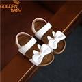 Zapatos de los niños de la muchacha sandalias de verano nuevo diseño lindo arco sandalias del bebé verano de las muchachas de cuero suave zapatos de calidad multi color