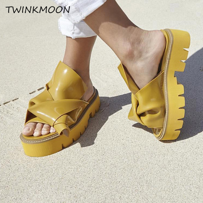Platform Sandal Chunky Heel Slippers Women Flats Thick Heel Slides Patent Leather Candy Color Designer Summer Shoes zapatos mujePlatform Sandal Chunky Heel Slippers Women Flats Thick Heel Slides Patent Leather Candy Color Designer Summer Shoes zapatos muje