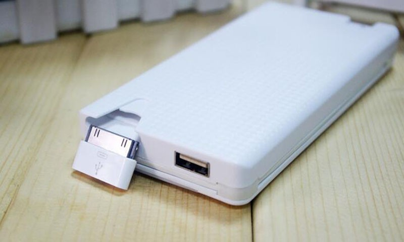 power bank 10000 mah with inbuilt cable and connectors 10
