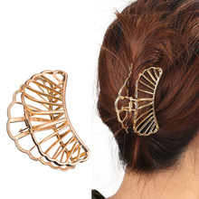 Factory direct explosion models new hair clips Europe and America simple hollow mesh fan hair accessories large grab clip female цена