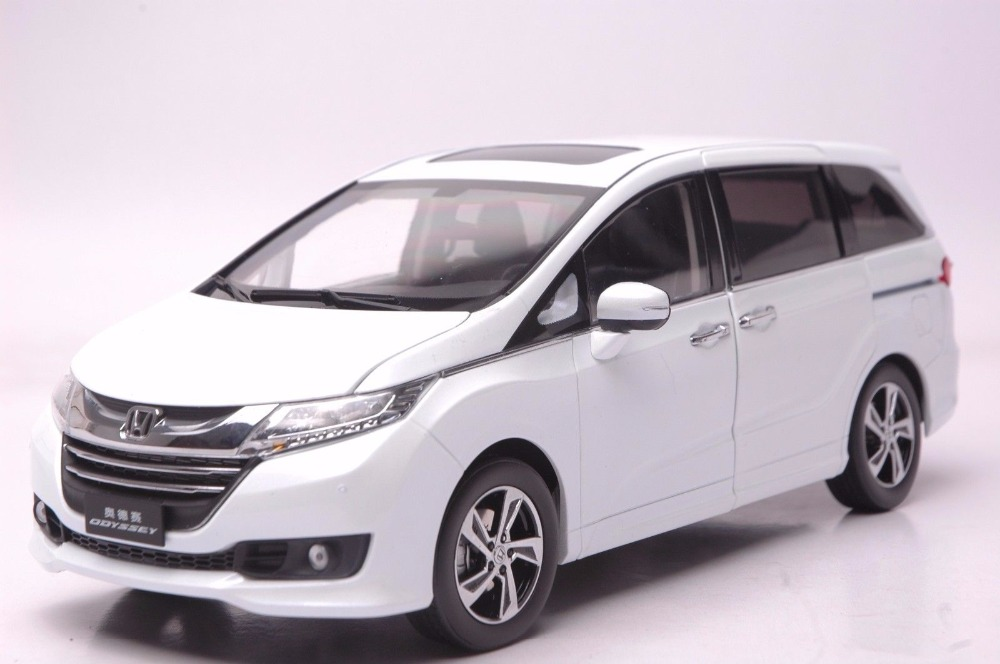 1:18 Diecast Model for Honda Odyssey 2015 White MPV Alloy Toy Car Miniature Collection Gifts Van 1 18 diecast model for volkswagen vw all new touran l 2016 brown mpv alloy toy car miniature collection gifts