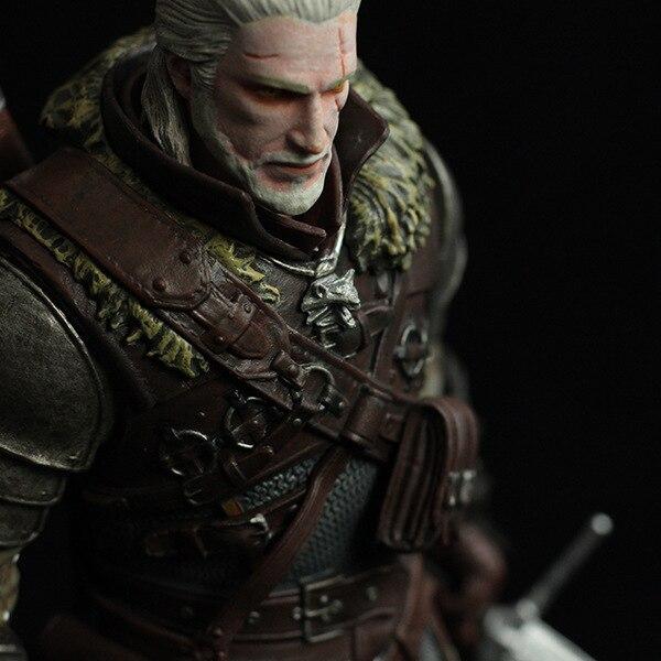 New Arrival Dark Horse Deluxe The Witcher 3: Wild Hunt: Geralt Grandmaster Ursine Figure the witcher figure 1