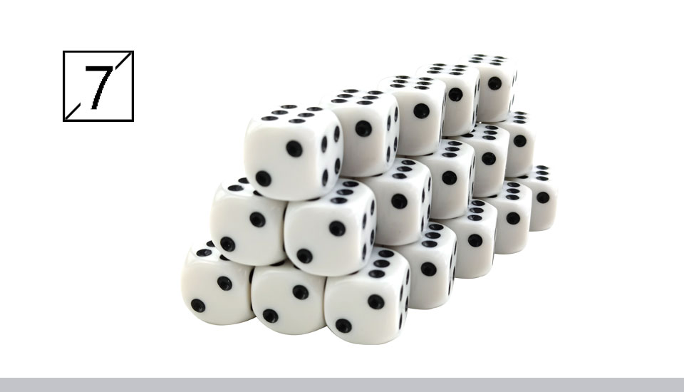 Yernea High-quality 30PcsLot 16mm Dice Set White Black Point Drinking Dice Acrylic White Round Corner D6 Points Dice Club Party (8)