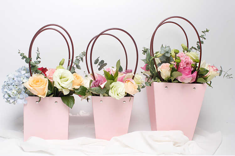 5pcs Paper Bags With PVC Handle Solid Pink Black Waterproof Flowerpot Carrier Shop Bountique Packing Material Fresh Plant Flower