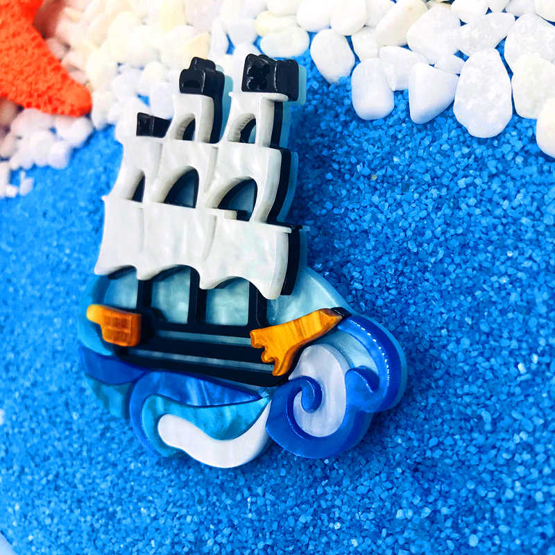 SexeMara di Vendita Caldo Barca A Vela Acrilico Della Resina Spilla Per Le Donne Degli Uomini di Figura della Barca Spilla Per I Vestiti Accessori Corpetto Spilli Pinze