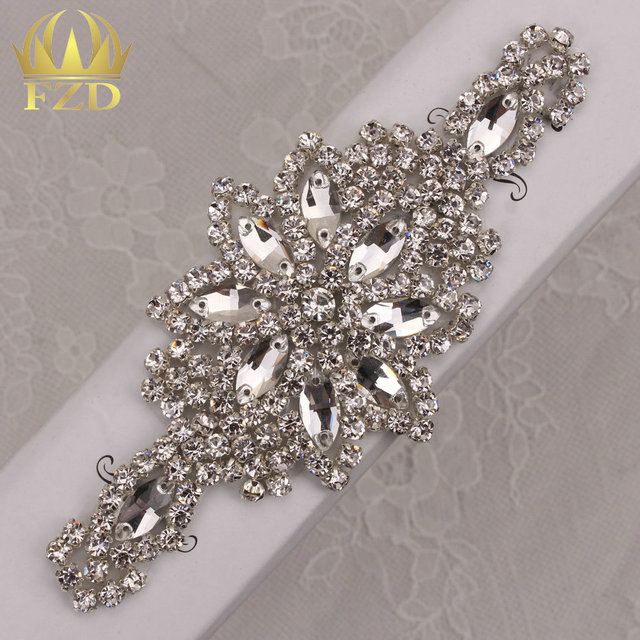 (30pieces) Crystal Appliques For Wedding Dresses Motif Glass Applique  Trimming Bridal Sash Belt Wholesale Sew On Crystal Patches ef16b1e5c2a5