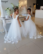 Lovely White Flower Girls Dresses For Weddings Scoop Ruffles Lace Tulle Pearls Backless Princess Children Wedding Birthday Party