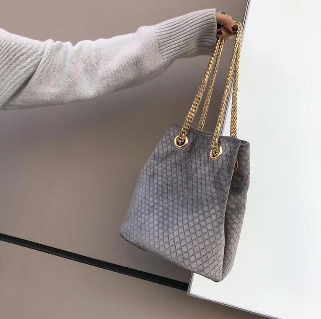 High-end Classic Quilted Bucket Bag Vintage Velvet Luxury Handbags Women Bags  Designer High Quality 4cc5ecd93e38