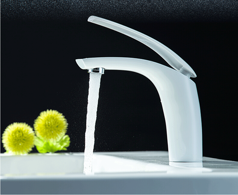Nouvelle arrivée de haute qualité blanc et chrome à levier unique brève salle de bains robinet d'évier bassin robinet, évier mélangeur