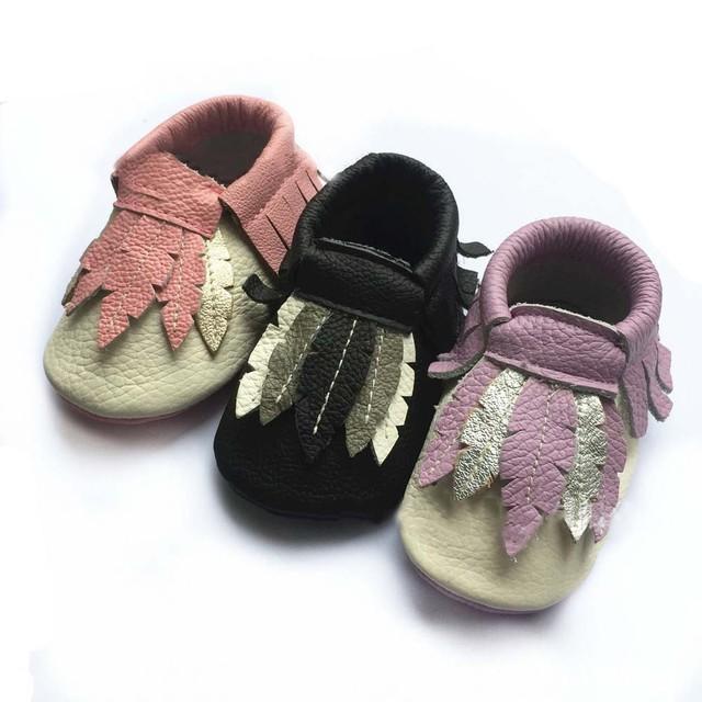 10 pairs al por mayor 2017 Del Niño del niño Recién Nacido Suaves Zapatos de Bebé Muchachos de Las Muchachas de Cuero Genuino Borla de Cuero Primeros Caminante