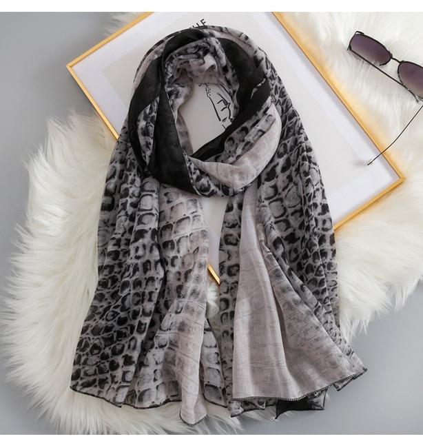 2019 di Vendita Calda Delle Donne Serpente A Sonagli Sciarpe di Stampa Scialli Lungo Leopardo Wrap Hijab Silenziatore 3 di Colore del Commercio Allingrosso 10 pz/lotto Trasporto Libero