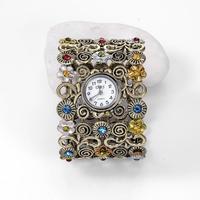 Fashion Women Curren Watch Ancient Roman Bracelet Watches Retro Bronze Flower Diamond Ladies Wristwatch With Broadband