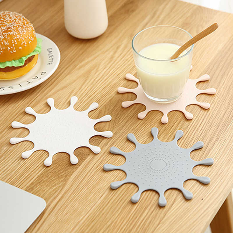 Nordic Cute Hot Pad Crown Coasters Kitchen Bag Silicone Insulation Mat Kitchen Dining Table Mat Decoration Accessories