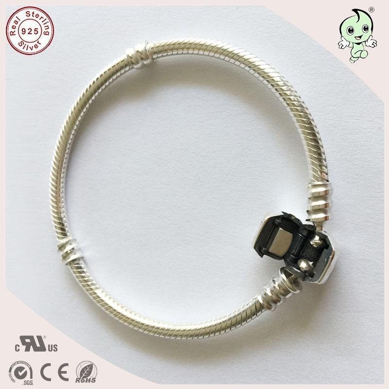 Snake Chain Bracelet 1