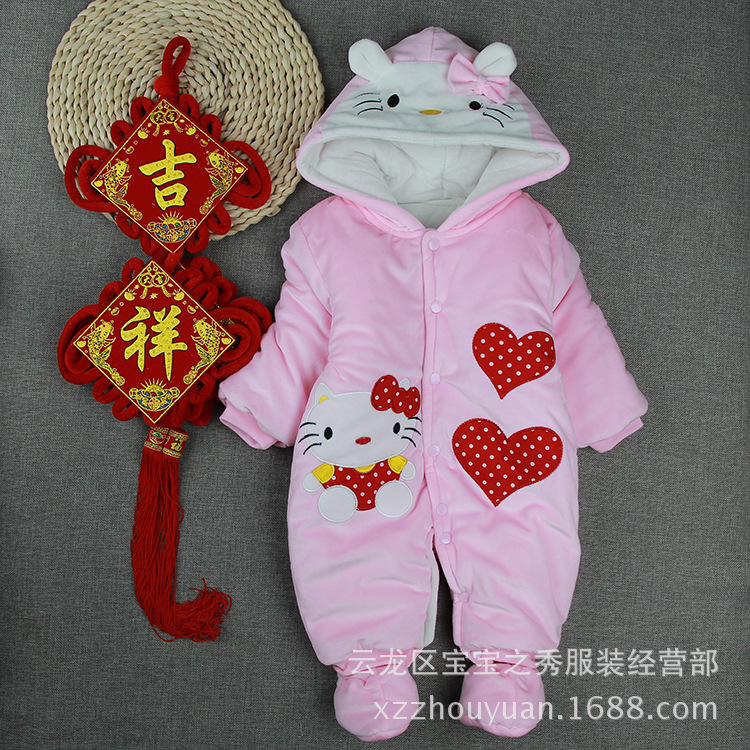 Female baby onesies autumn and winter new pink baby clothes cute thick romper factory direct 2017 direct selling new belt cute baby