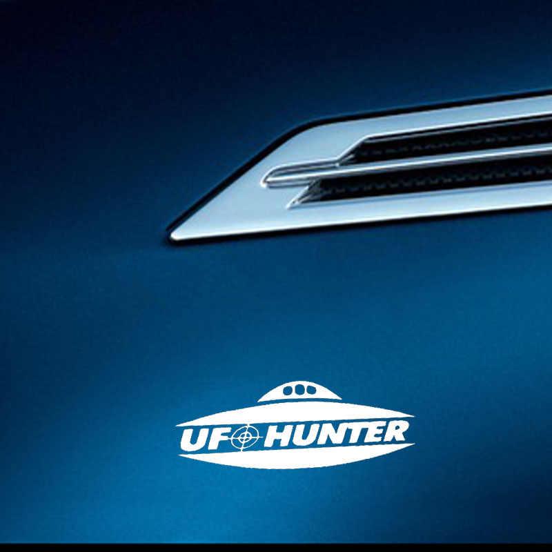 YJZT 14.3 ซม.* 5.3 ซม.UFO Hunter Decalไวนิลรถสติกเกอร์คนต่างด้าวพื้นที่สีดำ/เงินC3-0498