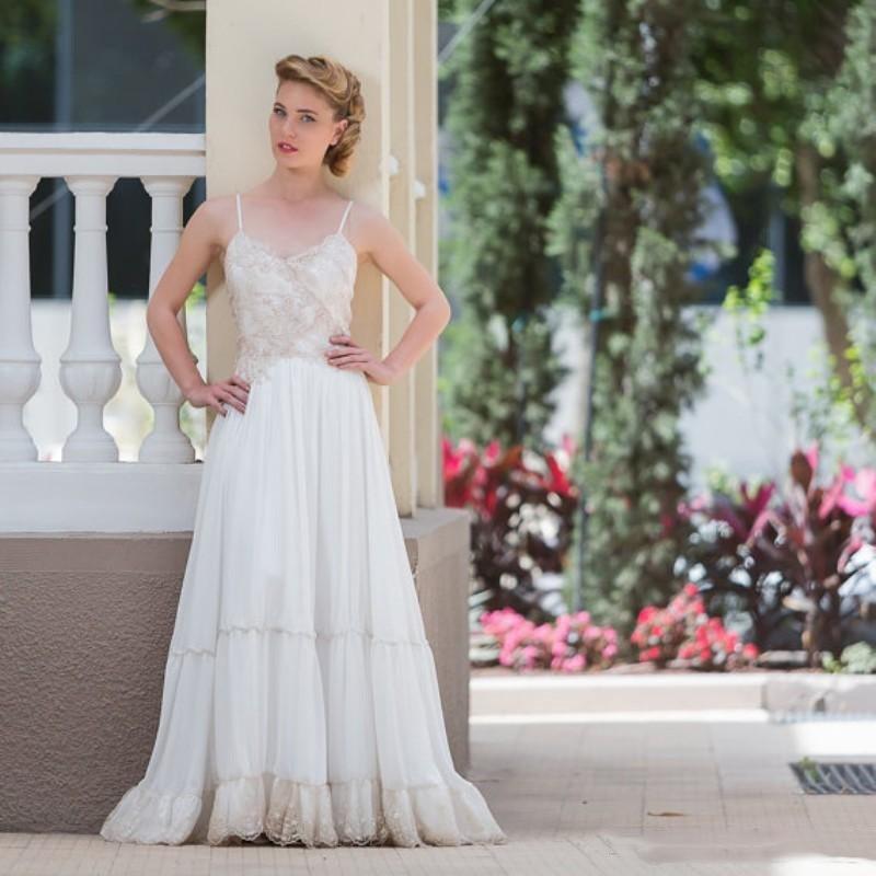Gypsy Wedding Dress Vintage and Gold Bohemian Handmade Wedding Dresses Boho  Chic Sheen Bridal Gown 2019 Chiffon-in Wedding Dresses from Weddings   Events  on ... c97cf24765a6