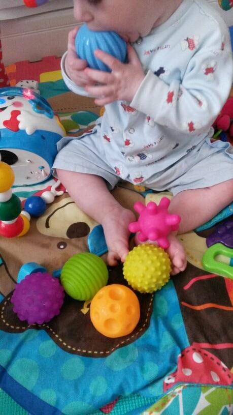 Image 5 - 4 & 6 & 1 pièces texturé Multi boule ensemble doux développer bébé sens tactiles jouet bébé toucher main entraînement Massage balle hochet activité jouetstoy poptoy police cars for saletoy ball pit -