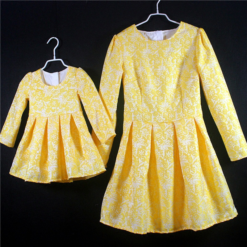 Family matching clothes mother and daugther pleated dress large plus size skirt girls clothing set children mammy and me dresses plus size pleated floral vintage 1950s dress