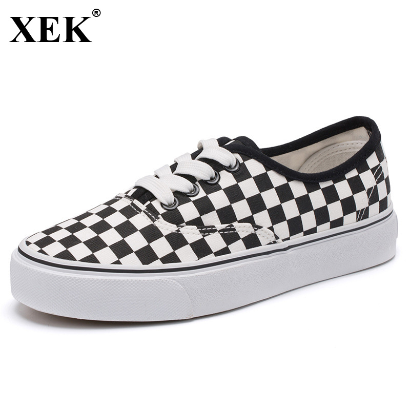 XEK 2018 Fashion Spring New Couple Board Shoes Students Flat Wild Canvas Shoes Female Black White Women Skateboard Shoes JH176 6 5 adult electric scooter hoverboard skateboard overboard smart balance skateboard balance board giroskuter or oxboard