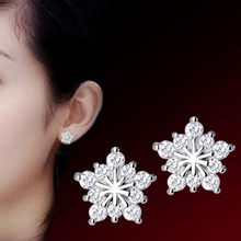 Trendy 925 Sterling Silver Earrings For Women Holiday Party Jewelry Exquisite Snowflake Zircon Stud Earring Girl Engagement Gift