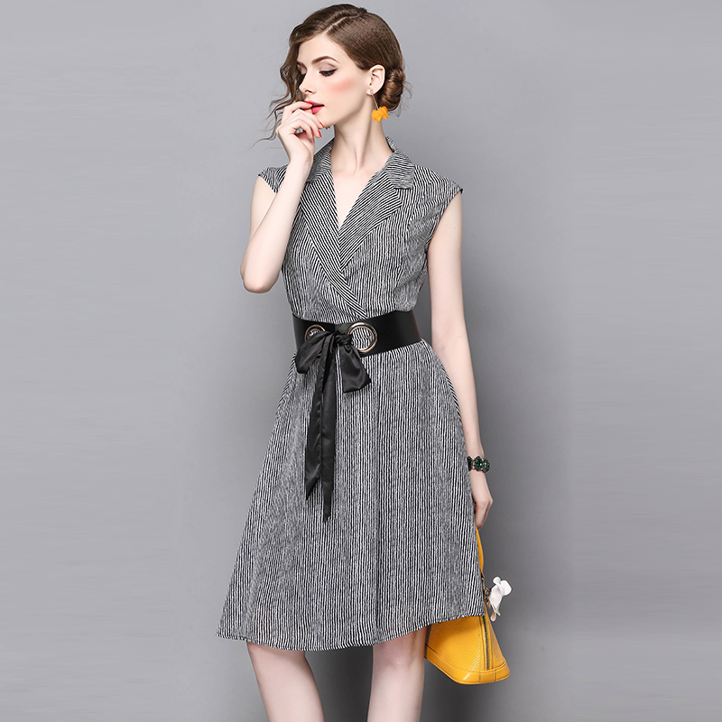 Piste Col Bureau Mode V Robe Noire Designer Blanc De Femmes Bande Genou  Modèle Printemps Eté Robes Noir Ceinture En Longueur 4pSW5UH b1644e8b610
