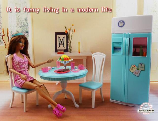 送料無料女の子の誕生日プレゼントプレイセットのおもちゃ人形ダイニングエリア冷蔵庫プレイセット人形バービー人形用の家具