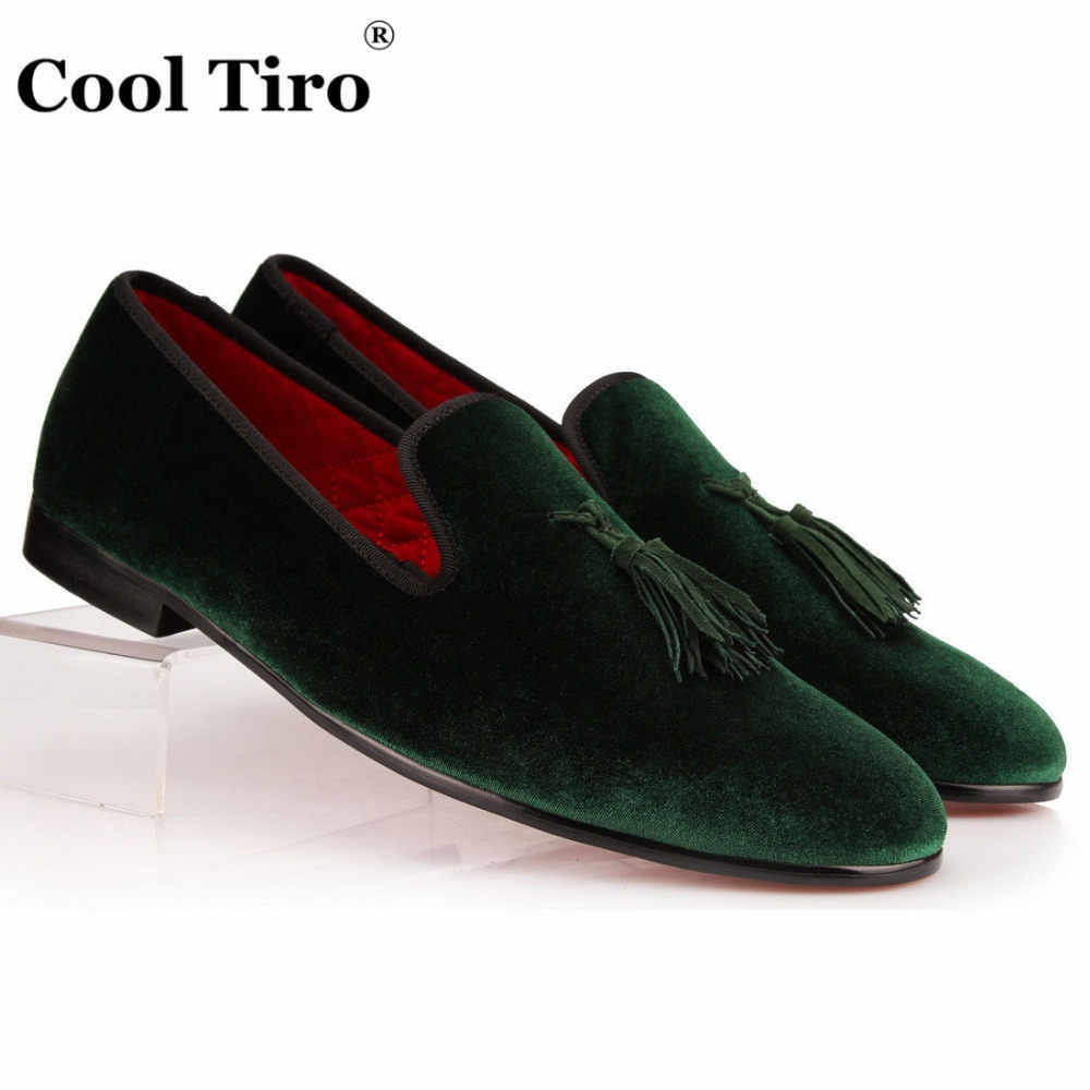 COOL TIRO Green Velvet Slippers With Tassel Loafers Men's Flats Wedding and Party Men Dress shoes luxurious Brand Velour Smoking
