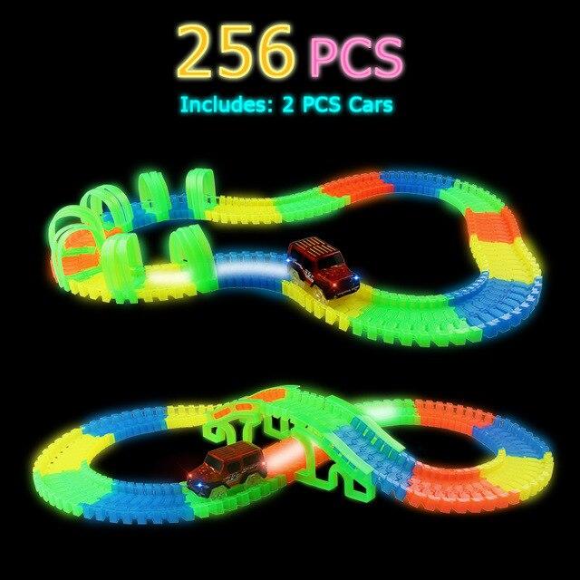 Светящийся гоночный трек изгиб Flex вспышка в темноте сборки гибкий игрушечных автомобилей/165/220/240 шт светящийся гоночный трек Набор DIY головоломки игрушки - Цвет: 256 pcs with 2 car