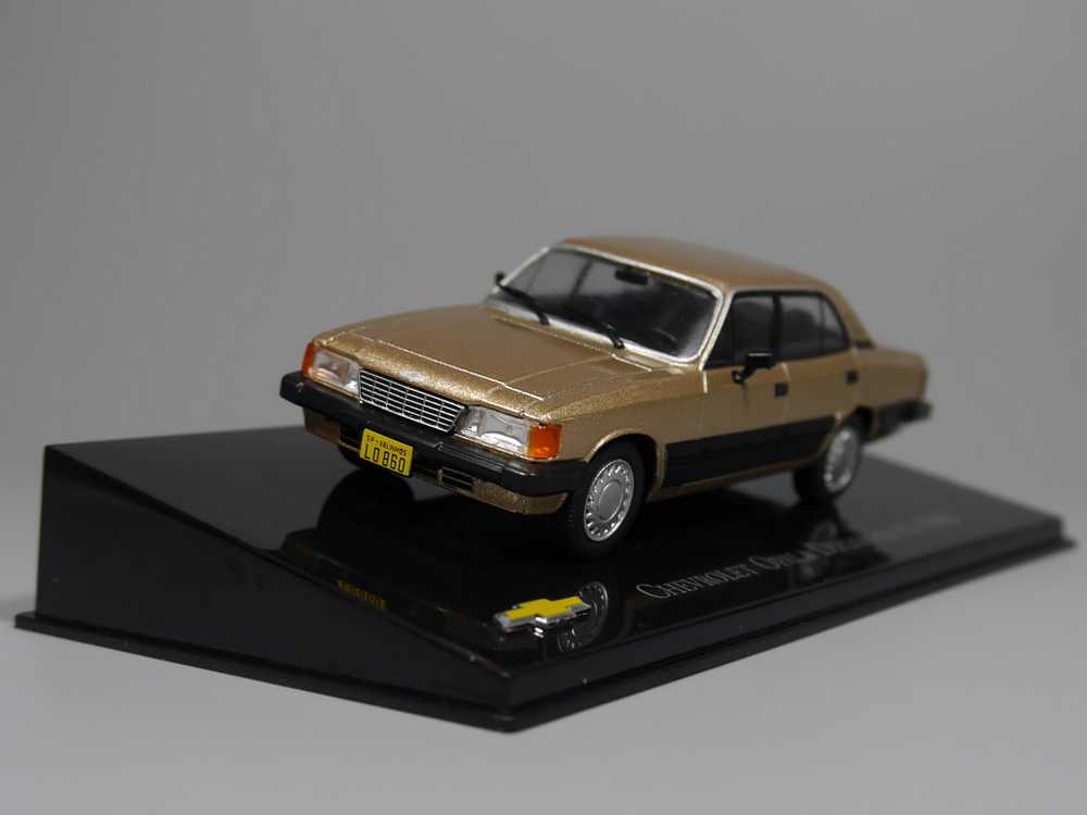Auto Inn - ixo 1:43 Chevrolet Opala Diplomata 4.1 1988 Diecast model car