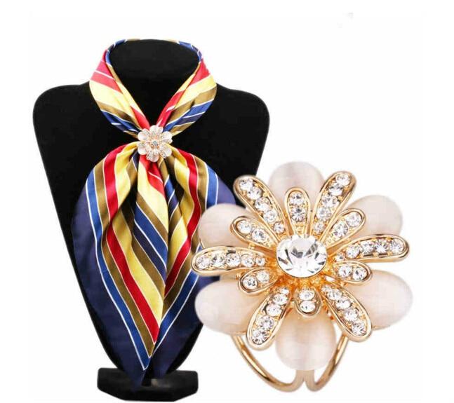 high quality Fashionable Crystal Rhinestone three simple flash Brooch Pin Opal Stone Flower Scarf Clip buckle woman accessary