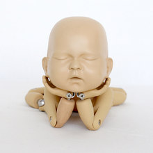 Recém-nascido posando formação boneca simulação bola de metal modelo comum fotografia recém-nascido adereços