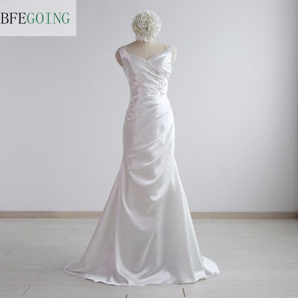White Lustrous Satin  Mermaid/Trumpet Wedding Dresses Floor-Length Court Train  V-Neck Sleeveless Real/Original Photos