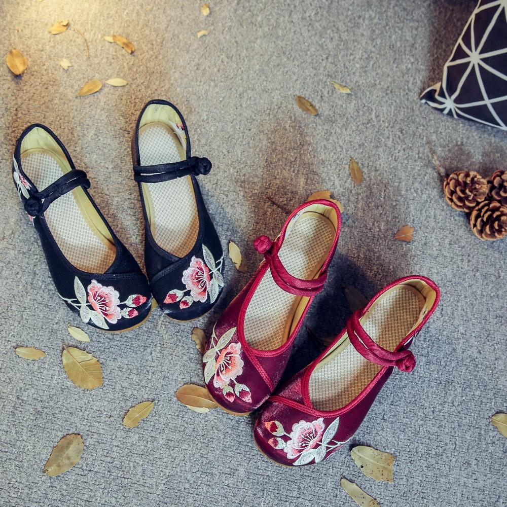 En Appartements Noir Semelle À vin Occasionnels Rouge Plat Mujer Pékin Danse Taille Chinois Jane Mary Souple Tissu La Vieux Zapatos 41 Broderie Plus Femme Chaussures zAqIff