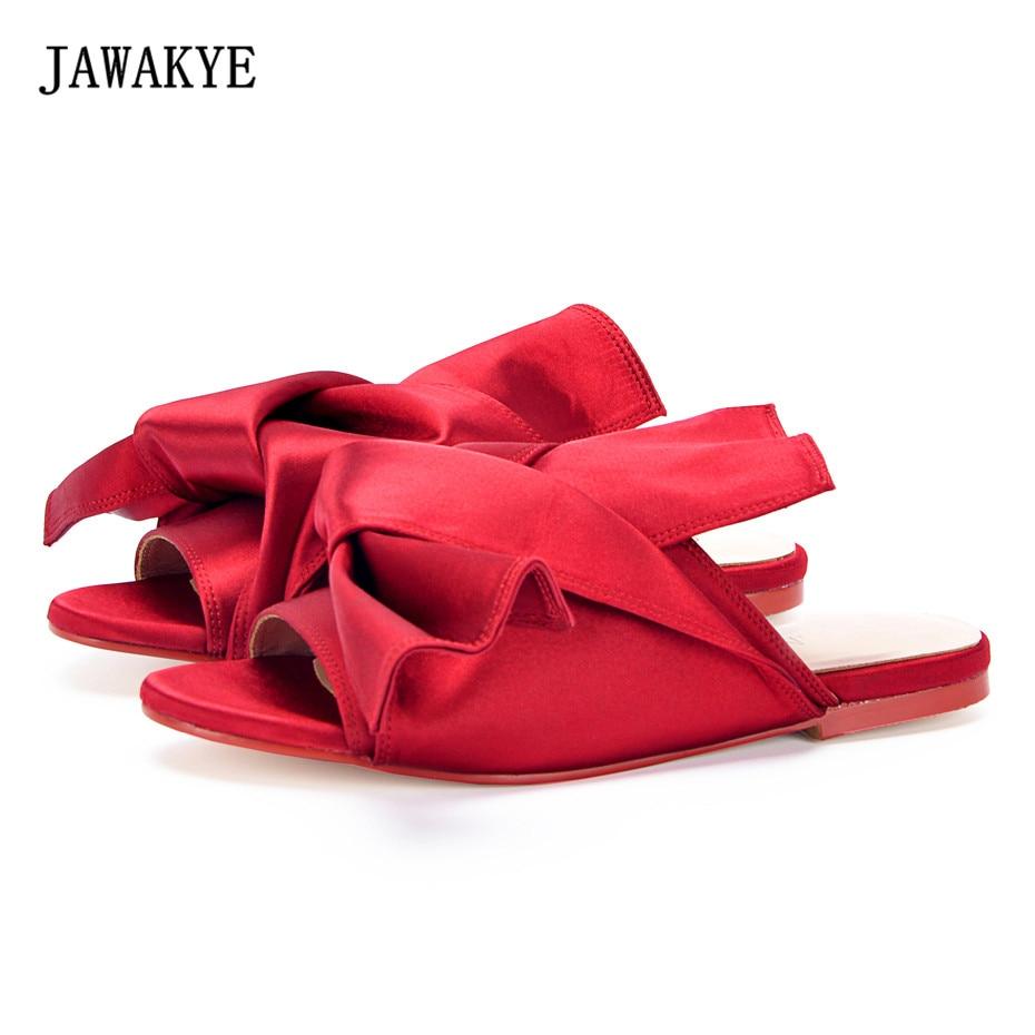 JAWAKYE красной атласной плоским Босоножки для Для женщин с большим бантом кроссовер Для женщин шелковые Тапочки пляжные шлепанцы летние туфл...