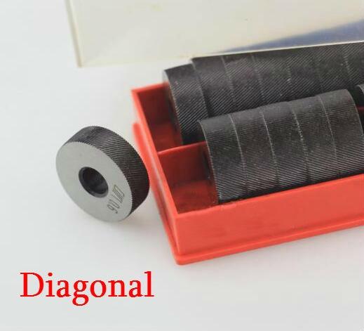 2PCS High Speed Steel 0.6mm/0.8mm/1.0mm/1.2mm/1.5mm/1.8mm/2.0mm Pitch Tool  Diagonal Coarse Knurl Wheel Knurling Roller 26x8x8mm