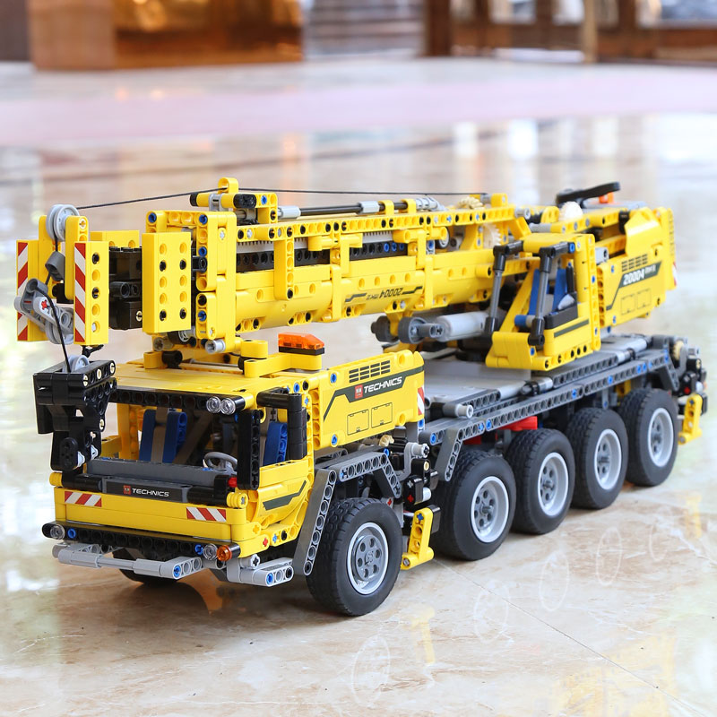 DHL 20004 Technic Motor Power Mobile Crane Mk II Model Building Kits Blocks Bricks Birthday Compatible with Legoings 42009 Toys 2
