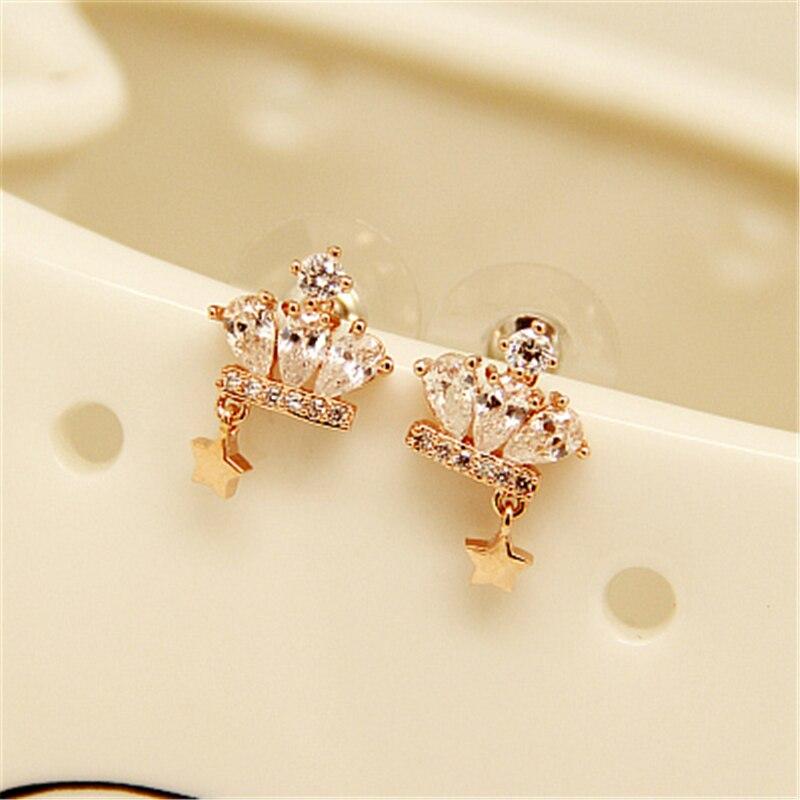 Célèbre marque mignon couronne or boucles d'oreilles strass simple tempérament féminin coréenne simple coréenne amie cadeaux étoiles