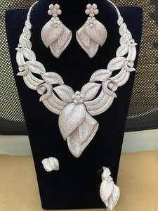 Image 2 - GODKI 큰 호화로운 꽃 꽃 최고 빛나는 여자 결혼식 입방 지르코니아 목걸이 귀걸이 사우디 아라비아 보석 세트 중독