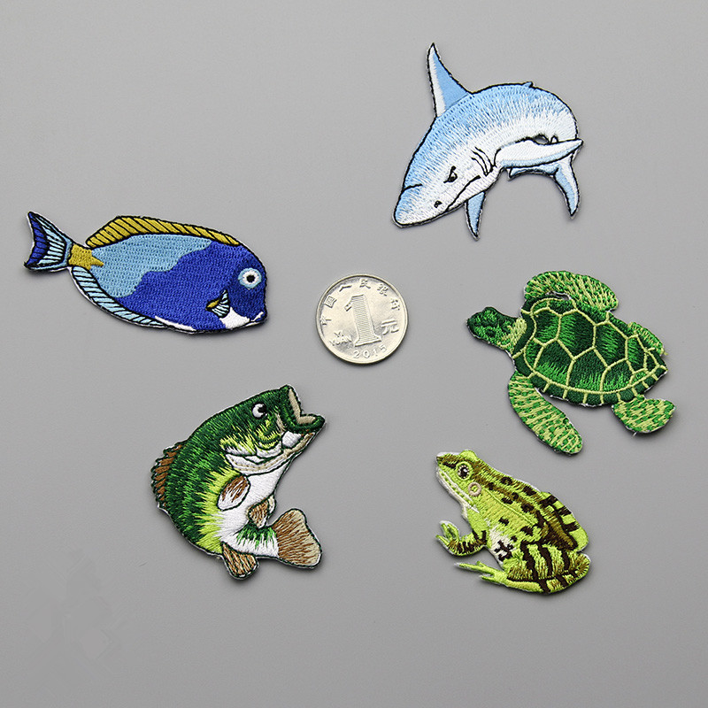 Патчи AHYONNIEX с вышивкой черепахи, лягушки, акулы, милые нашивки с морской рыбой для одежды «сделай сам», патчи с термоклеем на спине