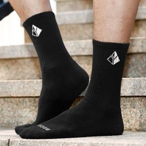 Image 5 - YUEDGE Men Comfortabl Breathable Cotton Cushion Black Crew Athletic Training Trekking Hiking Sports Socks 6 Pairs 38 47 EU