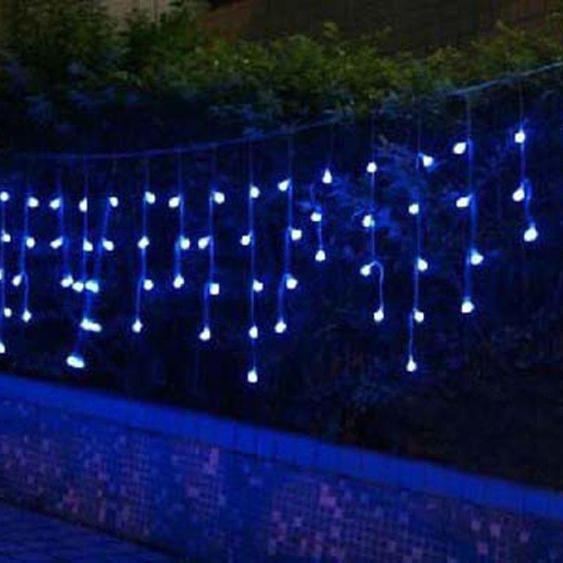 Schön Blaue Weihnachtsbeleuchtung Weißer Draht Bilder - Elektrische ...