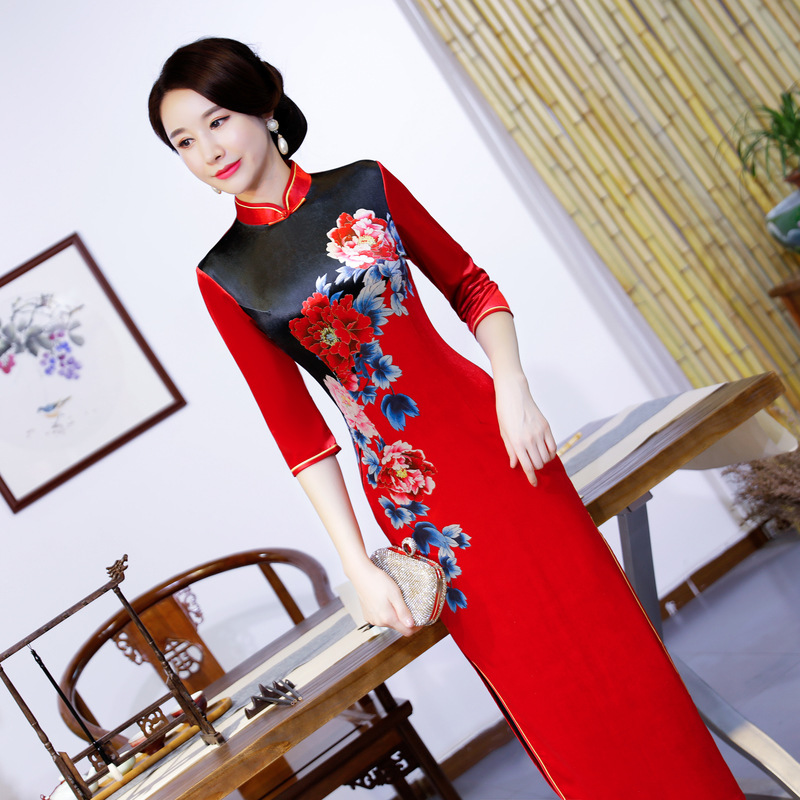 2019 Spring Long Cheongsam Novelty Chinese style Dress Womens Velour Qipao Slim Party Dresses Lady Button